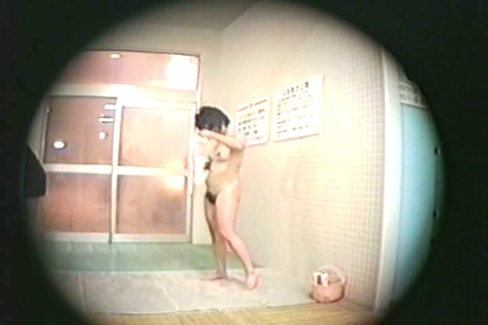 新女風呂35 着替え  68枚 36