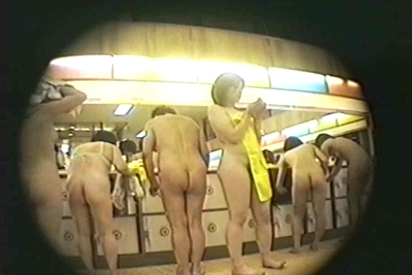 新女風呂35 着替え  68枚 67