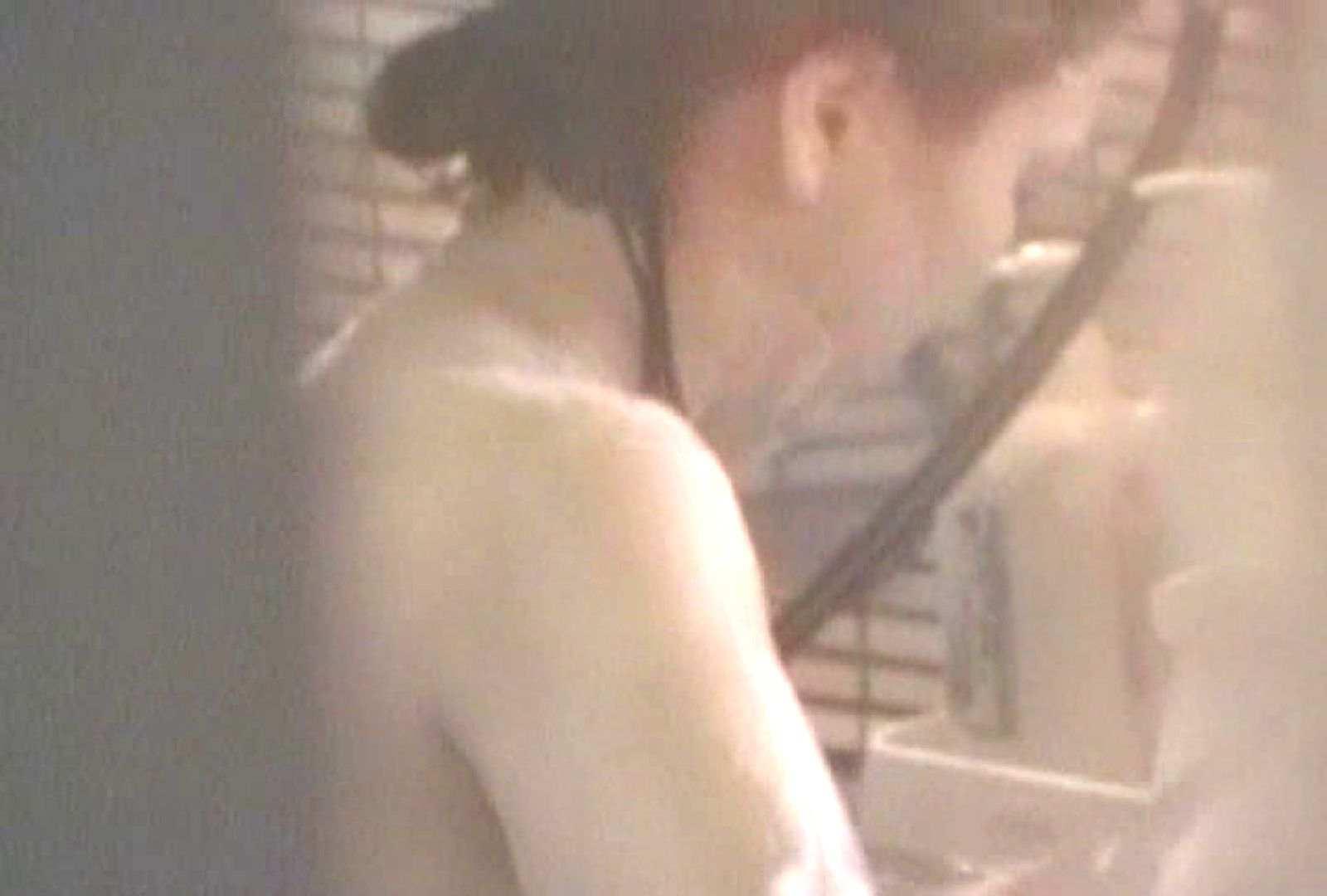 素人投稿シリーズ 盗撮 覗きの穴場 大浴場編  Vol.2 覗き  59枚 10