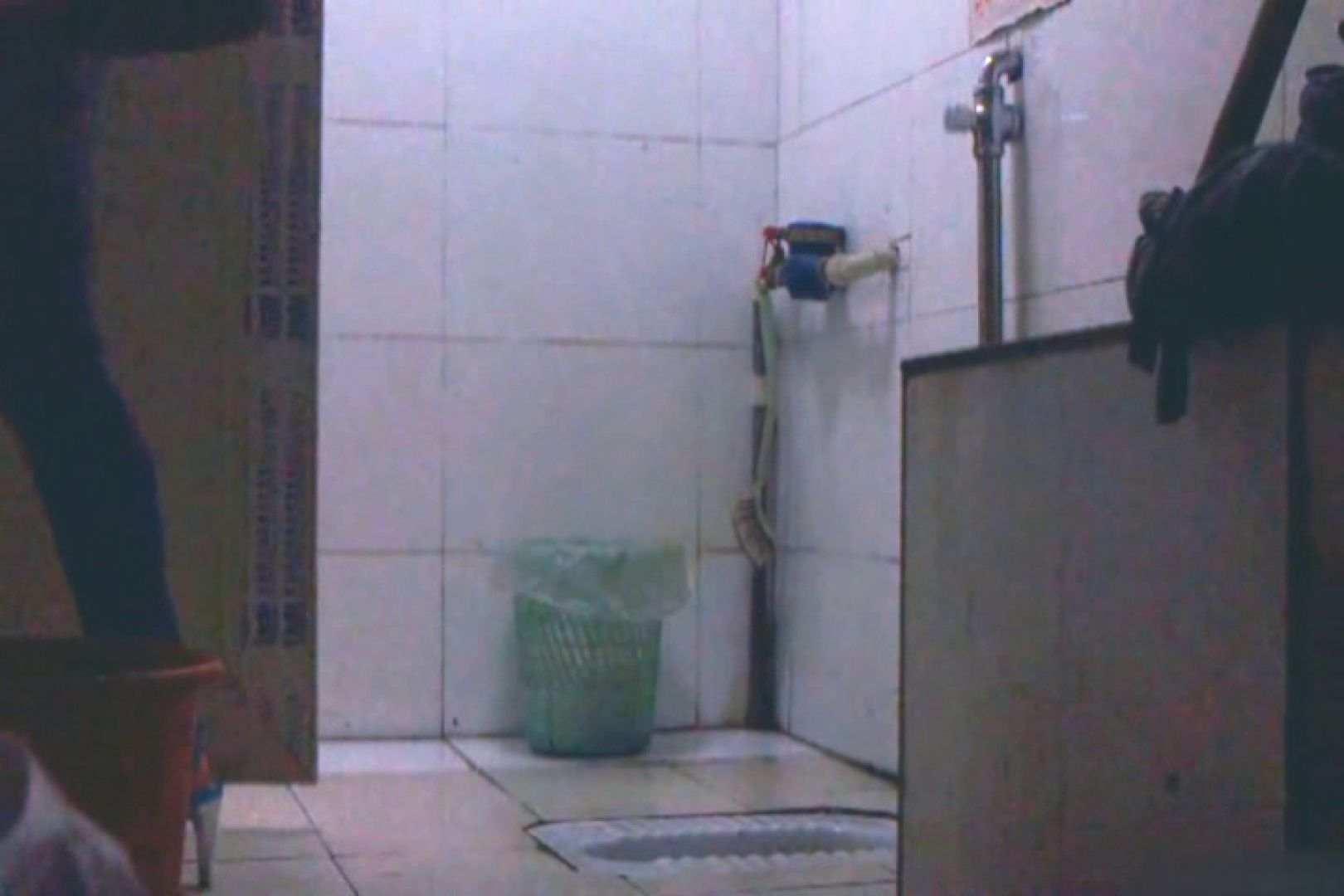 洗面所で暗躍する撮師たちの潜入記Vol.39