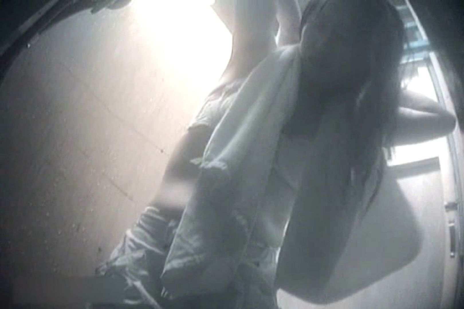 夏海シャワー室!ベトベトお肌をサラサラに!VOL.11 脱衣所  72枚 36